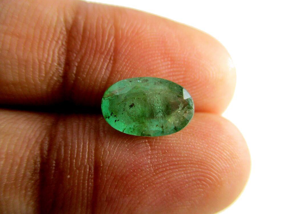 Emerald - 1.93 Carat - GFE06050 - Image 3