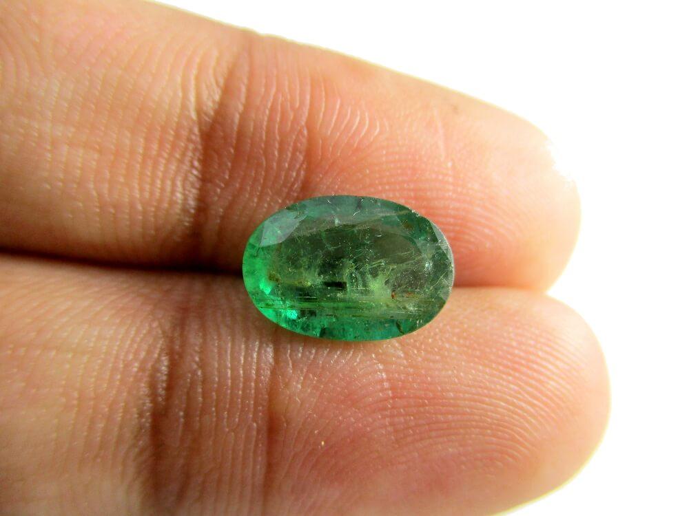 Emerald - 2.27 Carat - GFE06061 - Image 3