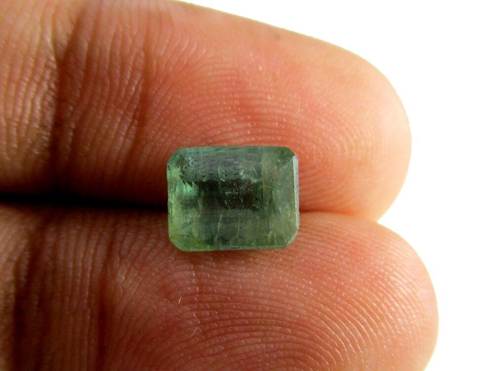 Emerald - 1.85 Carat - GFE06069 - Image 3