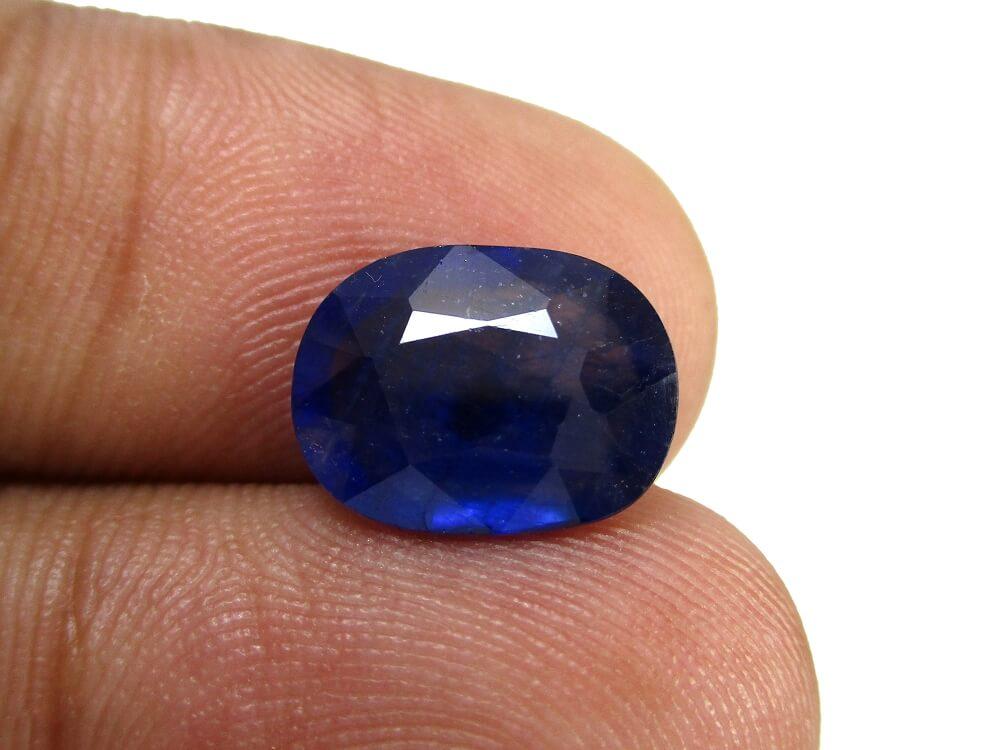 Blue Sapphire - 3.68 Carat - GFE08005 - Image 4